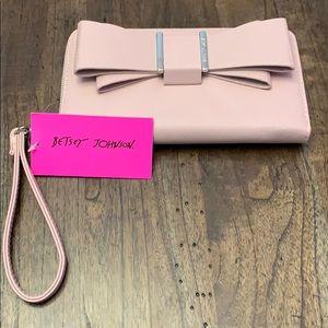 🆕Betsey Johnson ~ Bow Clutch Wistlet/Wallet